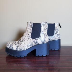 Vagabond Snake Print Chelsea Boots
